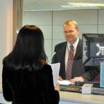 Как вести себя в консульстве