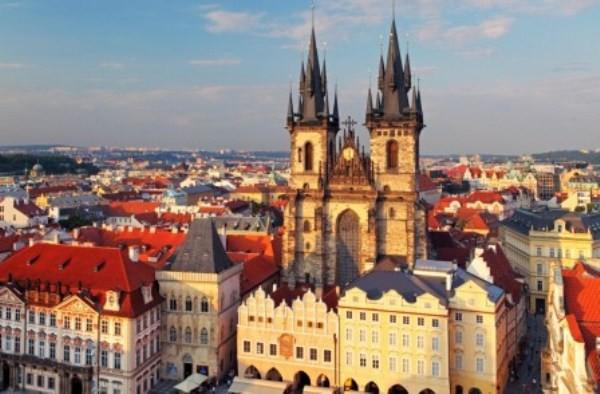 Плюсы и минусы иммиграции в Чехию