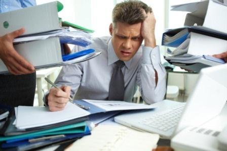 трудоголик в офисе